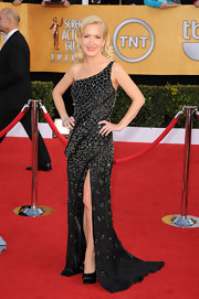 Angela donned a bead encrusted one-shoulder gown to the SAG Awards.