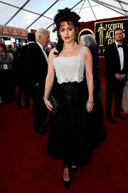 Helena was a textured beauty at the SAG Awards in a floral black and white frock.