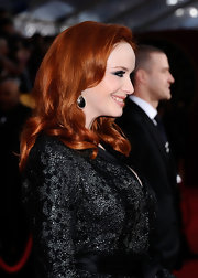'Mad Men' actress Christina Hendricks paired her stunning look with three drop diamond earrings.