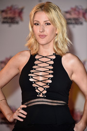 Ellie Goulding goes for the messy look in this short, wavy haircut