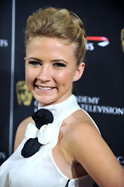 Eliza pinned up her honey blond locks in a structured bun, which was perfect for showcasing her halter neckline.