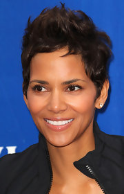 Actress Halle Berry showcased her perfect pixie at the Revlon Run/Walk for Women.