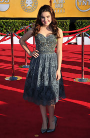 And this, ladies and gentlemen, is how a teenager steals the red carpet show. Ariel Winter looked delightful in this Collette Dinnigan frock.