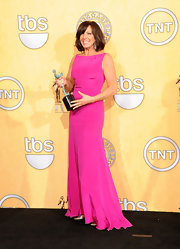 Allison Janney looked brilliant in a hot pink evening dress for the SAG Awards.