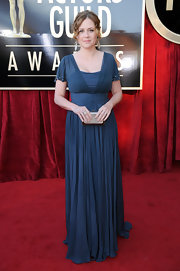 Jenna Fischer looked romantic in a muted blue chiffon gown at the SAG Awards.