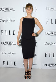 Bella Heathcote arrived at the 19th Annual Women in Hollywood gala in a pair of glam kicks by Jimmy Choo.