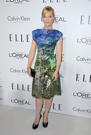 Cate brought out her unbridaled style in this exuberant print dress at the Women in Hollywood Celebration.