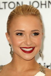 Hayden added serious drama to her look with high voltage false lashes. It was the perfect way to accent her red lips.