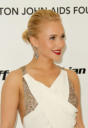 Hayden Panettiere joined a heap of celebs at the Elton John AIDS Foundation's viewing party wearing rose cut diamond earrings.