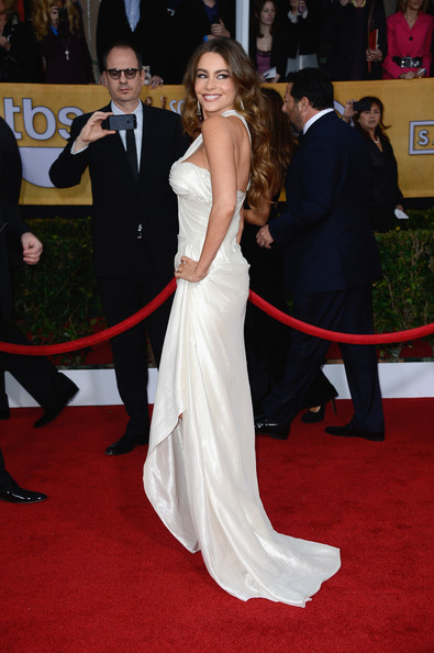 More Pics of Sofia Vergara Evening Dress (1 of 18) - Sofia Vergara Lookbook - StyleBistro
