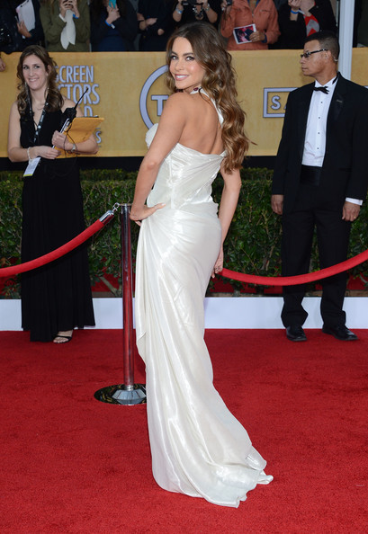 More Pics of Sofia Vergara Evening Dress (6 of 18) - Sofia Vergara Lookbook - StyleBistro