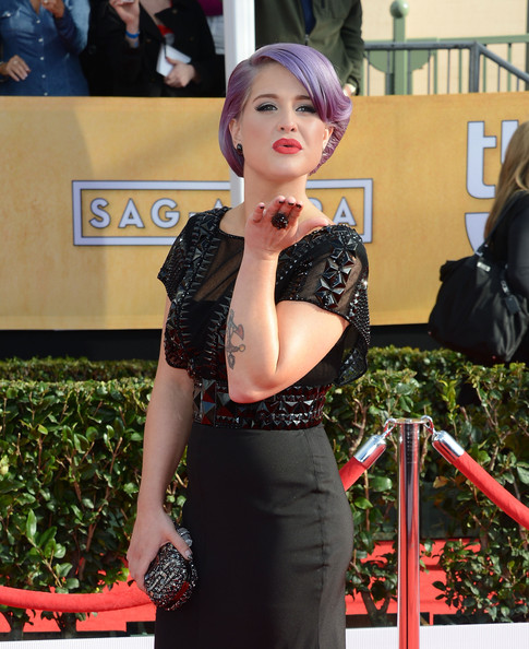 More Pics of Kelly Osbourne Retro Updo (1 of 35) - Kelly Osbourne Lookbook - StyleBistro