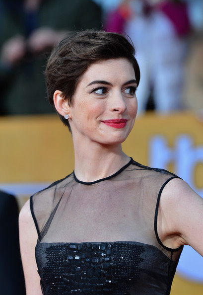 More Pics of Anne Hathaway Pixie (6 of 39) - Short Hairstyles Lookbook - StyleBistro