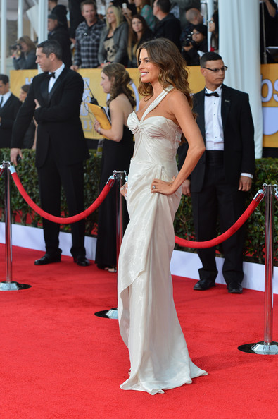 More Pics of Sofia Vergara Evening Dress (4 of 18) - Sofia Vergara Lookbook - StyleBistro