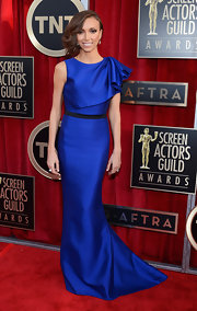 Giuliana Rancic wore a bold royal blue gown with an asymmetrical shoulder ruffle on the SAG Awards red carpet.