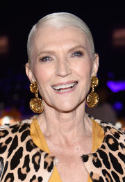 Maye Musk rocked a slicked-down 'do at the 2017 amfAR New York Gala.