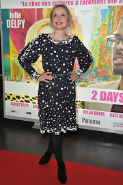 Julie Deply wore this navy dotted dress to the '2 Days in New York' Paris premiere.