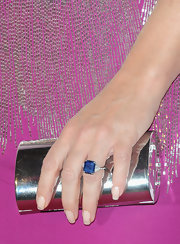 Elizabeth Hurley's huge sapphire ring was the perfect little pop of contrasting color to her bright gown.