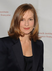 Isabelle Huppert kept it simple with a shoulder-length layered 'do at the FIAF gala.