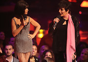 Liza Minnelli wore a loose top with a silk scarf around her neck as she took the stage with Paula Abdul at the 2009 VH1 event.