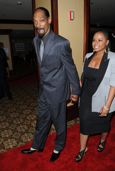 Snoop paired his pinstriped suit with two-toned tuxedo oxfords.