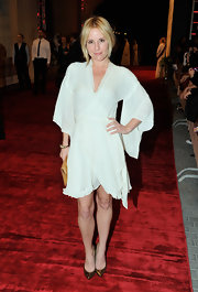Emma was angelic in a white wrap chiffon dress at the 'Tron Legacy' premiere.