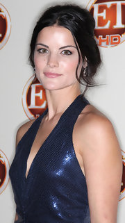 Jamie Alexander paired off her intense eye makeup with pale pink glossy lips as she attended the ET Emmy Party.
