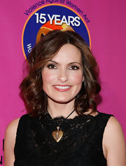 Actress Mariska Hargitay showed off her radiant curled bob while attending the Heart Foundation in New York City.