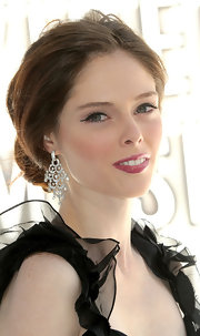 At the 2010 MTV Video Music Awards, Coco Rocha rocked swipes of retro liquid eye liner.
