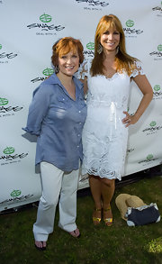 Caroline Manzo was simple yet cool in white slacks and a blue button-down during the 2010 Mercedes-Benz Polo Challenge.