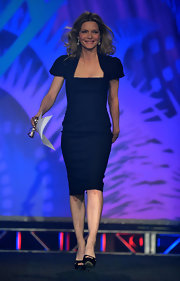 Michelle Pfeiffer chose an adorable puff-sleeve LBD for the 2010 Palm Springs International Film Festival Gala.