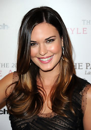 Odette Annabelle showed off her long layers and two tone tresses at the 2010 Style Awards.