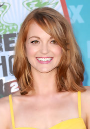 Jayma Mays perfectly matched her amber eyes with her layered locks. Her radiant color was the perfect way to draw attention to her stunning eyes.