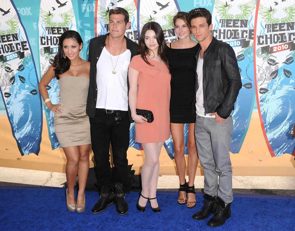 Daren Kagasoff Girlfriend 2019 : He starred as ricky underwood on the abc family teen soap kagasoff was chosen to appear in the role of ricky underwood in the abc family television series, the secret life of the american teenager.