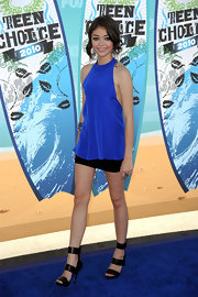 Sarah rocked an electric blue mini dress with thick-strapped leather sandals.