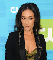Maggie Q's high-volume center-parted 'do at the 2010 CW Network Upfront event had a chic '60s feel to it.