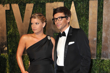 Jessica Simpson Ken Paves 2010 Vanity Fair Oscar Party Hosted By Graydon Carter - Arrivals