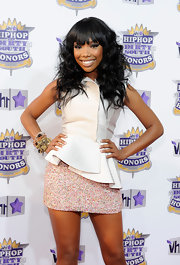 Brandy opted for stacks of shiny beaded bracelets at the 2010 VH1 Hip Hop Honors. Her simple, white top and subtly patterned mini looked great with some light-reflective accessories.