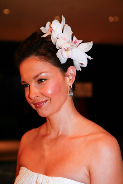 More Pics of Ashley Judd Barrette (1 of 3) - Ashley Judd Lookbook - StyleBistro