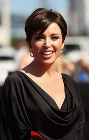 Dannii Minogue wore a pair of silver interlocking loops to accent her black gown at the the 2011 ARIA Awards.