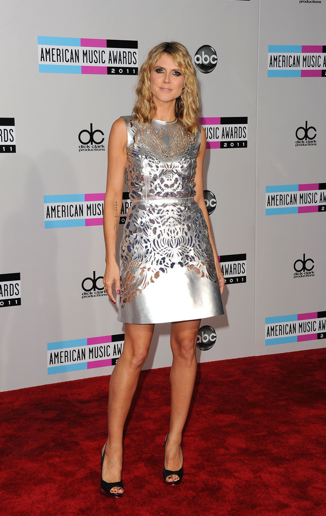 TV personality Heidi Klum arrives at the 2011 American Music Awards held at Nokia Theatre L.A. LIVE on November 20, 2011 in Los Angeles, California.