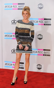 Julie Bowen wore a Diane von Furstenberg by H.Stern power ring in 18-carat gold and rock crystal at the 2011 American Music Awards.