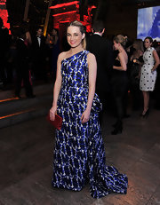 Amanda Hearst looked regal in a one-shoulder royal blue embroidered gown with a layered train for the Apollo Circle Benefit.