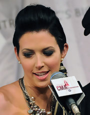 Shawna Thompson turned heads with her sky-high pompadour at the 2011 CMA Awards nominations.