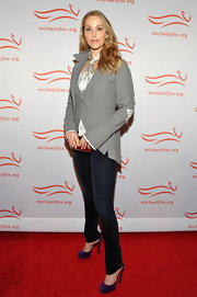 Elizabeth Berkley looked chic wearing a pair of platform pumps at the 2011 A Funny Thing Happened on the Way to Cure Parkinson's event.