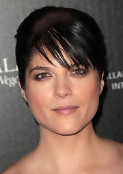 Selma Blair wore a pretty mauve lipstick at the 2011 Hollywood Style Awards.