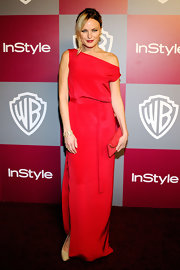 Malin Akerman carried a sweet strawberry clutch to the 2011 Golden Globes.