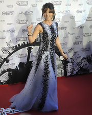 Shania was a beaded beauty in a floor length tulle gown at the Juno Awards.