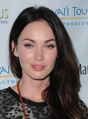 Megan Fox kept her makeup look simple at the 2011 Maui Film Festival with a sweep shimmery metallic pink eyeshadow.