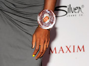 All eyes were on Kelly Rowland on the red carpet. The singer completed her look with a crystal cuff bracelet that demanded attention.